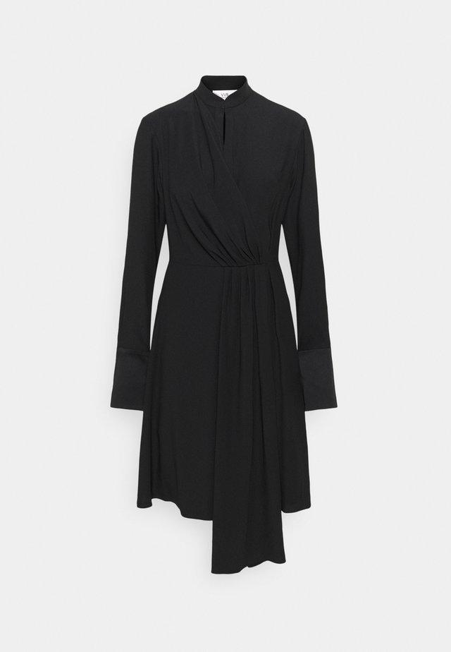 DRAPED FLUID CADY MINI DRESS - Sukienka letnia - black