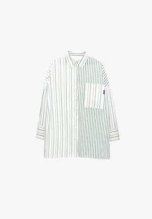 MIT KOMBINIERTEM STREIFENPRINT  - Button-down blouse - white