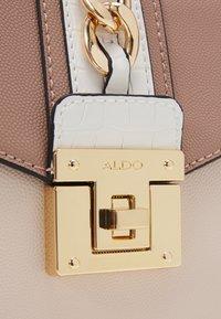 ALDO - MIX MAT - Handbag - dark pink/bone/taupe/white - 3