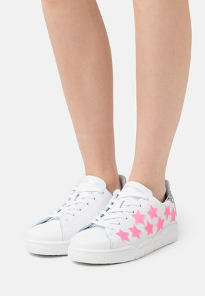 ROGER STAR - Baskets basses - pink neon