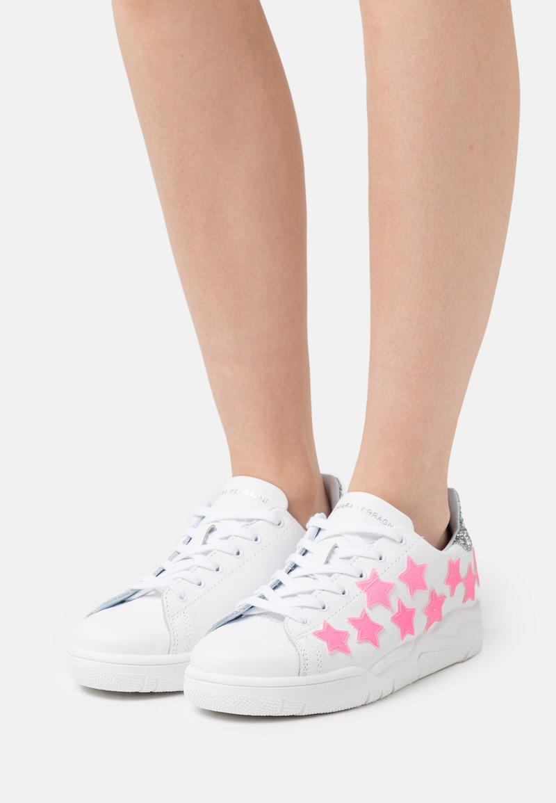 CHIARA FERRAGNI - ROGER STAR - Trainers - pink neon