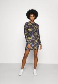 adidas Originals - GRAPHICS - Denní šaty - multicolor - 0