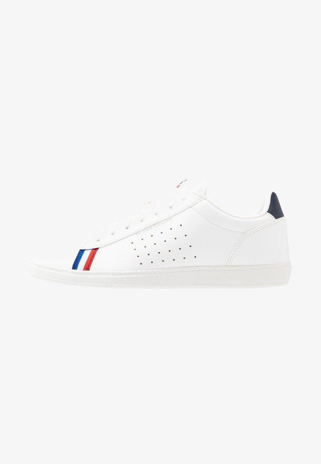 COURTSTAR SPORT - Sneakers basse - optical white/dress blue