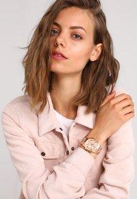 Guess - LADIES  - Reloj - rose - 0