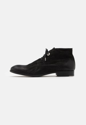 YARDLEY CHUKKA - Lace-ups - black