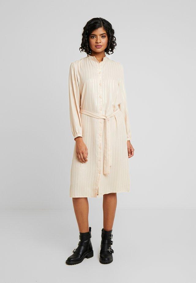 JANNU - Denní šaty - cocoon