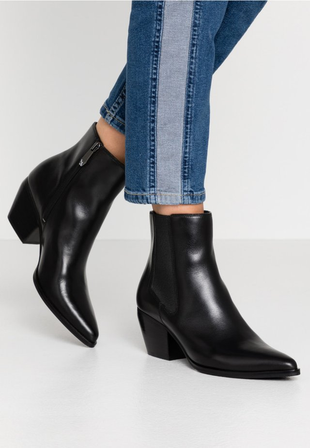SCAVO - Korte laarzen - schwarz