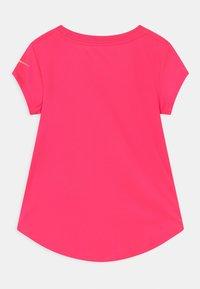 Nike Sportswear - 7 POINT - Triko spotiskem - hyper pink - 1