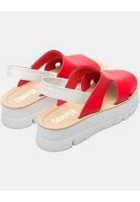 Camper - ORUGA  - Korkeakorkoiset sandaalit - rot - 3