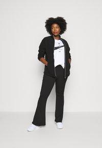 CAPSULE by Simply Be - Fleece jacket - black - 1