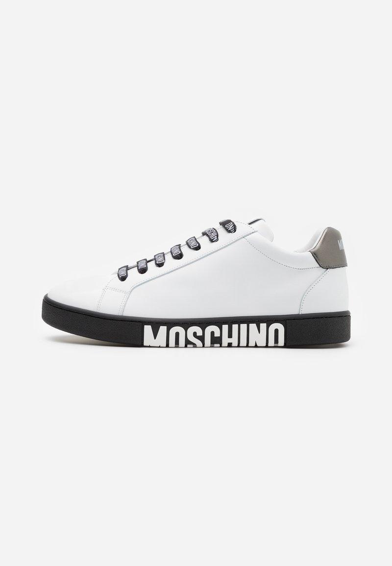 MOSCHINO - Trainers - white/black
