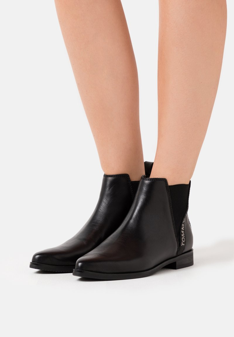 Tommy Jeans - ESSENTIAL POINTY CHELSEA - Ankle boot - black