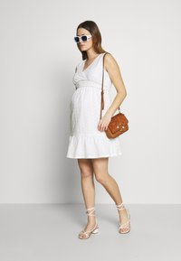 Balloon - DRESS WITHOUT SLEEVES WRAP NECKLINE - Denní šaty - white - 1