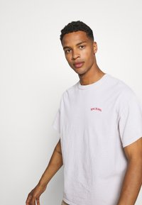 BDG Urban Outfitters - LOGO EMBROIDERED TEE UNISEX - T-paita - offwhite - 3