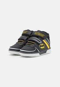 Friboo - BATMAN - High-top trainers - black - 1