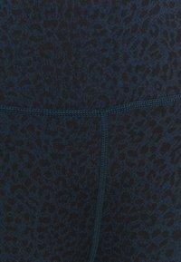 Sweaty Betty - FLATTER ME 7/8 WORKOUT LEGGINGS - Leggings - navy blue - 4