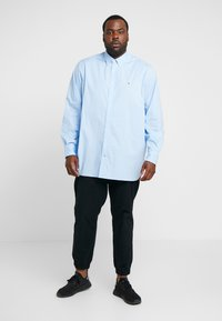 Tommy Hilfiger - STRETCH - Shirt - blue - 1