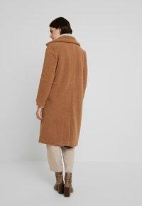 Derhy - GAGNANTE - Classic coat - camel - 2