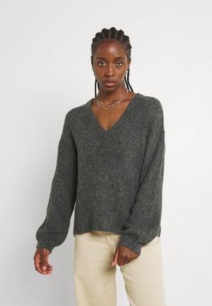 JDYPHILINA V NECK - Stickad tröja - dark grey melange
