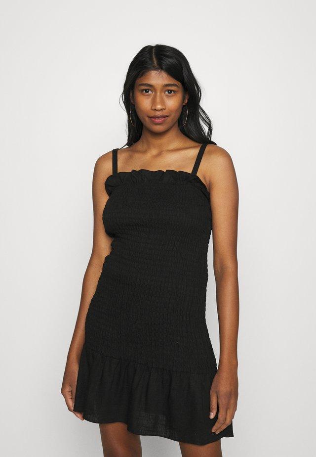 SMOCKED BODY MINI DRESS WITH NARROW STRAPS - Sukienka etui - black