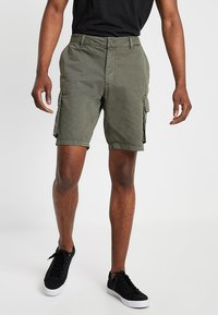 Pier One - Shorts - oliv - 0