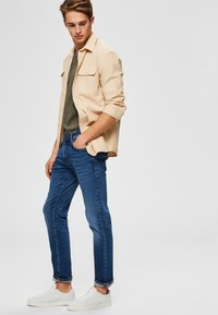 Selected Homme - Jeans straight leg - medium blue denim - 3