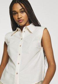 YAS - YASAGANA - Button-down blouse - eggnog - 3