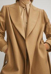 Massimo Dutti - Płaszcz wełniany /Płaszcz klasyczny - beige - 5