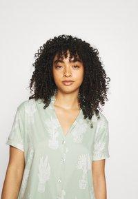 Chelsea Peers - Pyjama - light green - 3