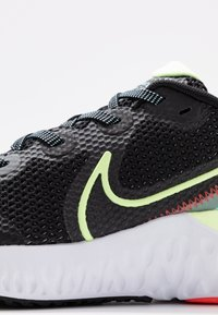 Nike Performance - RENEW RUN - Obuwie do biegania treningowe - black/barely volt/glacier ice - 5