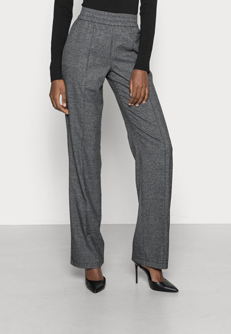 ONLY Tall - ONLPOPTRASH SUKI WIDE CHECK - Trousers - black