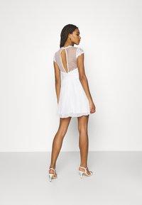 Nly by Nelly - DREAM ON DRESS - Koktejlové šaty/ šaty na párty - white - 2