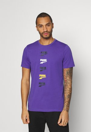 CLUB GRAPHIC TEE UNISEX - Camiseta estampada - ultra violet