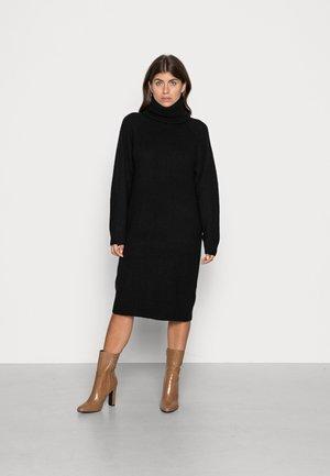 VMVILLA COWLNECK DRESS  - Gebreide jurk - black