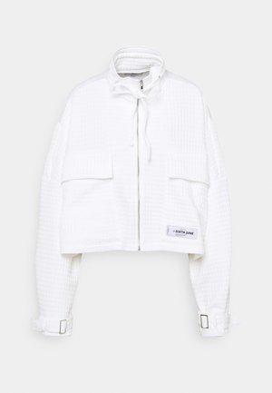 WAFFLE JACKET - Summer jacket - white