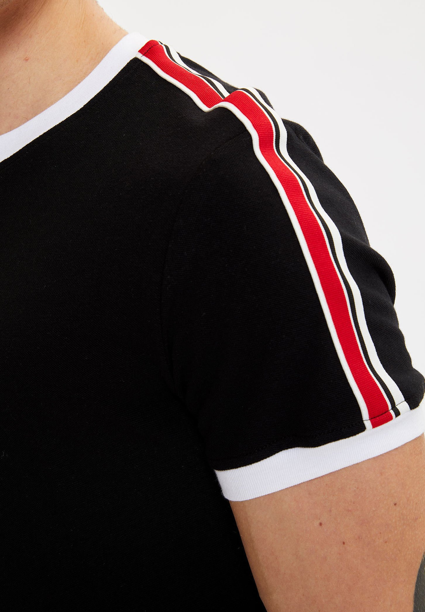 DeFacto Basic T-shirt - black m8acj