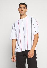 Topman - BOXY  - Print T-shirt - multicolor - 0