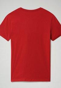 Napapijri - S-SURF FLAG - Print T-shirt - old red - 5