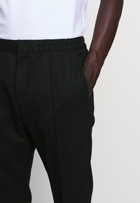 HUGO - HARLYS - Trousers - black - 5