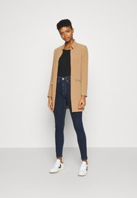 ONLY - ONLLINEA MIRIAM ZIP COATIGAN  - Manteau court - tigers eye - 1