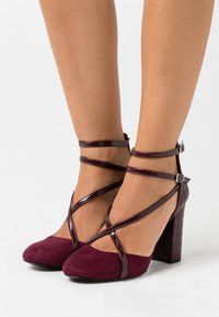 Wallis - CASH - Zapatos altos - berry - 0