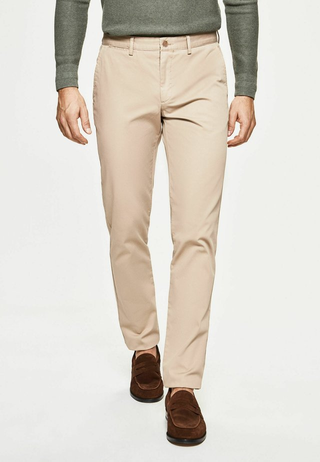 GMT DYE TEXTURE - Chinos - oatmeal