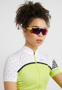 Oakley - RADAR  - Sports glasses - yellow - 4