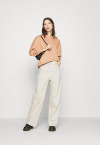 Weekday - NELLIE TROUSER - Relaxed fit jeans - tinted ecru - 1