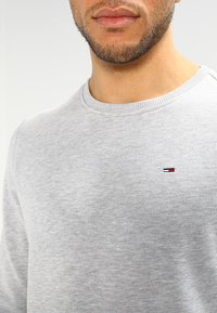 Tommy Jeans - ORIGINAL - Bluza - light grey heather - 3