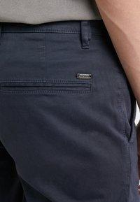 BOSS - REGULAR FIT - Kalhoty - dark blue - 4
