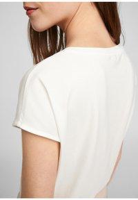comma - Print T-shirt - white - 5