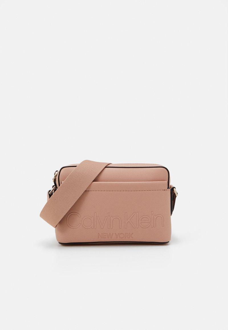 Calvin Klein - CAMERA BAG - Across body bag - pink