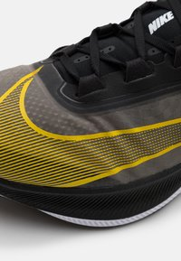 Nike Performance - ZOOM FLY 3 - Obuwie do biegania treningowe - black/opti yellow/white - 5