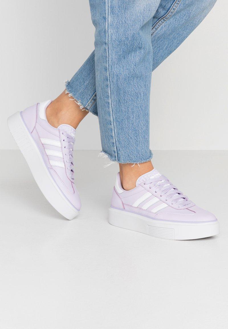 adidas Originals - SLEEK SUPER 72 - Sneakers - purple tint/footwear white/crystal white